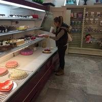 Photo taken at Pastelería Dauzon by Marce A. on 2/13/2015
