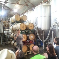 Foto tomada en Jester King Brewery por Mike H. el 7/6/2013