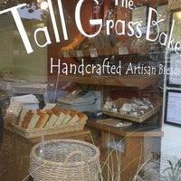 Foto tirada no(a) Tall Grass Bakery por Michael W. em 11/11/2012