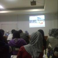 Photo taken at Sekolah Tinggi Ilmu Administrasi - Lembaga Administrasi Negara (STIA LAN) by Iccang H. on 12/19/2013