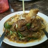 Photo taken at Restoran ZZ Sup Tulang by wira n. on 12/11/2012