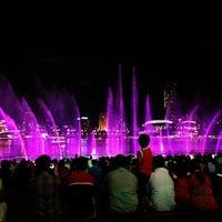 Das Foto wurde bei Wonder Full (Light & Water Show) von Paul B. am 5/2/2013 aufgenommen