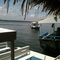 Foto tirada no(a) Ancoradouro Mar Azul por Saulo E. em 2/24/2013