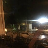 9/28/2018 tarihinde Zeynep A.ziyaretçi tarafından Artemis Restaurant & Şarap Evi'de çekilen fotoğraf