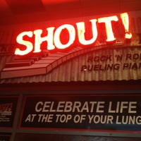Photo taken at Shout House Dueling Pianos by Joy Lynn H. on 7/29/2013