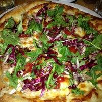 Foto scattata a Gialina Pizzeria da Jason D. il 7/4/2013