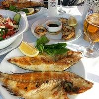 Foto scattata a Çapari Restaurant da Ebru K. il 8/17/2013