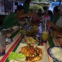 Photo taken at Restoran Bakau 'D' Muara (Cawangan Lumut) by Yanaa G. on 10/8/2016