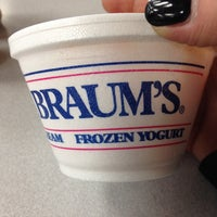 Photo taken at Braum's Ice Cream & Dairy Store by Lynda V. on 10/21/2013
