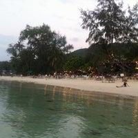 Photo prise au Haad Yao Beach par Anastasia L. le3/7/2013