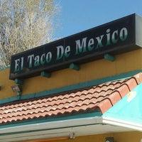 Foto tirada no(a) El Taco De Mexico por Jill M. em 11/9/2012