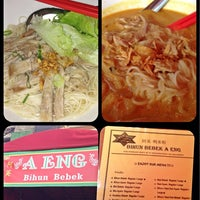 Photo taken at Bihun Bebek Aeng by Prinsesa N. on 8/18/2013