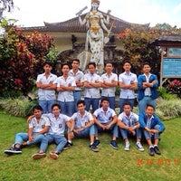 Photo taken at SMA N 1 UBUD by Gusti ngurah gunawan on 1/23/2014