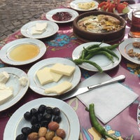 Photo taken at Fatma Teyzenin Yeri by Altuğ on 8/26/2016