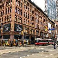 Photo prise au Downtown Toronto par Görkem E. le11/9/2017