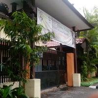 Photo taken at SMA Negeri 1 Balikpapan by Samuel F. on 8/7/2013
