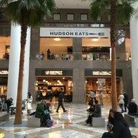 Foto tirada no(a) Hudson Eats por Olivier M. em 10/24/2015