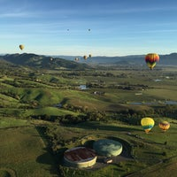 Photo taken at Hot Air Balloon Over Napa by Olivier M. on 3/26/2016
