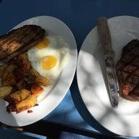รูปภาพถ่ายที่ Harbor Breakfast โดย Chen F. เมื่อ 9/23/2017