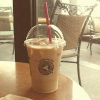 Photo taken at TOM N TOMS COFFEE by purenuna B. on 8/6/2014