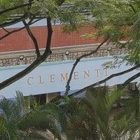 Foto tirada no(a) Clementi Swimming Complex por Cheehoong L. em 1/2/2017