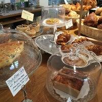Das Foto wurde bei Café Kanel von noskos am 4/17/2017 aufgenommen