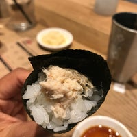 Photo prise au KazuNori: The Original Hand Roll Bar par Som P. le6/16/2017