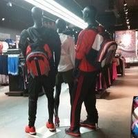 Adidas sport spettacolo sportivo, negozio di annapolis