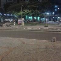 Foto tomada en Parque Santander por Andres J. el 9/19/2013