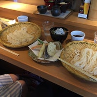 Photo taken at 手打釜揚うどん 鎌倉みよし by Kei W. on 7/11/2015