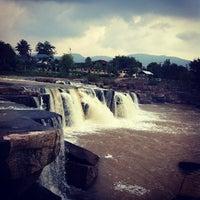 Photo taken at น้ำตกปอย by Pisit T. on 12/4/2012