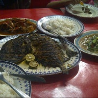 Photo taken at Seafood 68 Kranji by Mohamad Feisal on 4/2/2015