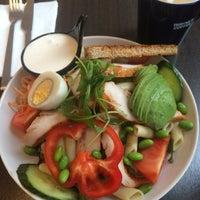 Photo taken at Wayne's Coffee by Ebru T. 🎀 on 11/17/2015