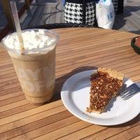 Photo taken at Wayne's Coffee by Ebru T. 🎀 on 6/7/2014