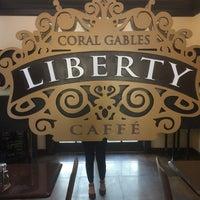 Foto tomada en Liberty Caffe por Charity S. el 7/3/2018
