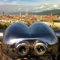 Foto scattata a Piazzale Michelangelo da Hgdhk F. il 10/17/2012