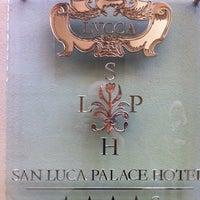 Foto scattata a San Luca Palace Hotel da Hgdhk F. il 10/18/2012