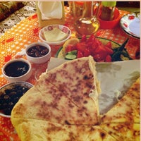 Foto tirada no(a) Çakırlar Köy Kahvaltısı por ESCape🀄️ em 3/31/2013