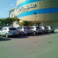 Foto tirada no(a) São Gonçalo Shopping por Dayane F. em 8/16/2013