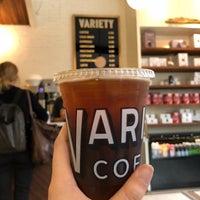 Foto tomada en Variety Coffee Roasters por rrrr H. el 9/14/2018