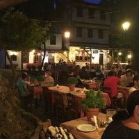 8/28/2017 tarihinde Fatih N.ziyaretçi tarafından Kazaviti Traditional Restaurant'de çekilen fotoğraf