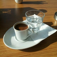 Photo taken at Kahve Devri Cafe & Restaurant by Selda Çeçen on 1/11/2014