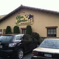 Photo taken at Olive Garden by Bruno B. on 8/7/2013