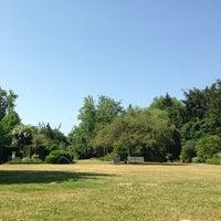 Photo prise au Cadogan Square Gardens par Corryn B. le7/9/2013