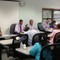 Foto scattata a UCCI (University College of the Cayman Islands) da J.D. M. il 8/7/2013