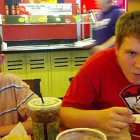 Photo taken at Moe's Southwest Grill by Dee L. on 10/17/2013