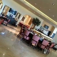 Foto tirada no(a) Shababik Restaurant por Gül S. em 6/26/2014