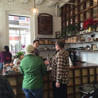 Снимок сделан в Gracenote Coffee пользователем Alan R. 12/19/2015