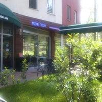 Foto tirada no(a) Koru Cafe & Restaurant por Nurgül K. em 4/24/2014