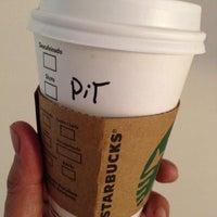 7/18/2015 tarihinde Pit C.ziyaretçi tarafından Starbucks'de çekilen fotoğraf